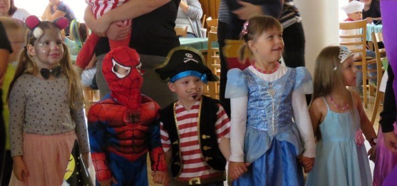 Královský karnevalový ples