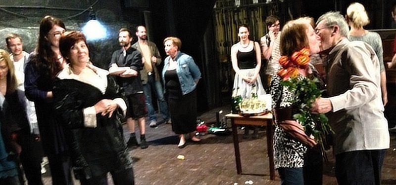 Šampáněm se připíjelo v Žižkovském divadle