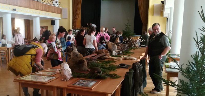 Zvířata z našich lesů, ryby z našich vod a včely z našich luk - to byla sobota v divadle