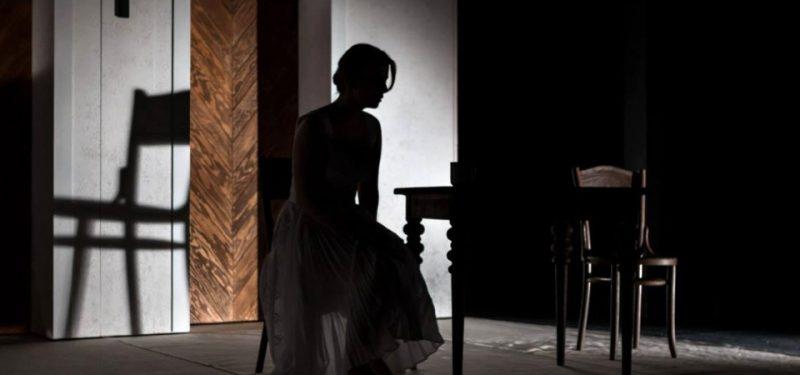 Anna Fixová z profilu